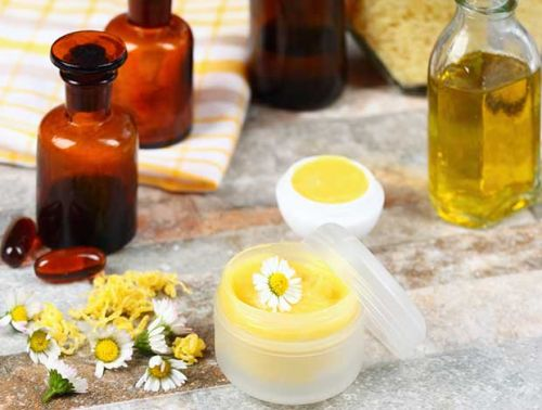 DIY: How to make your own lip balm using beeswax