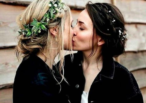 The world's only wedding magazine for lesbian brides is here and it's beautiful