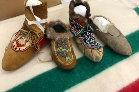 Explore presents the Hudson's Bay Company - Part 4(2): Blankets and moccasins