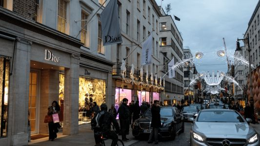 Must Read: LVMH to Develop Luxury Hotel in London, Influencer Marketing as Explained by a 19th Century Economist