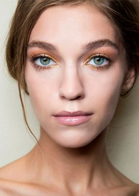 How To De-Pot Your Eyeshadows Without Ruining Them