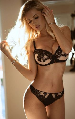 Jsc-best-models: Leanna Bartlett