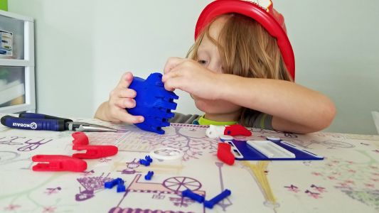 This five-year-old might be the youngest to design a 3D printed hand for disabled kids