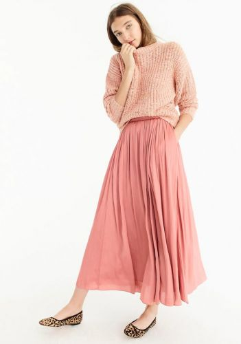 UP TO 40% DISCOUNT AT J. CREW