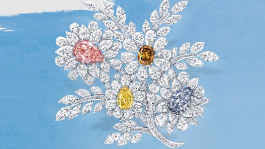 What should I note before investing in natural colour diamonds?