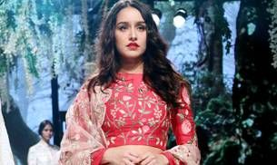 Lakme Fashion Week 2017: Shraddha Kapoor looked like a red rose on the runway