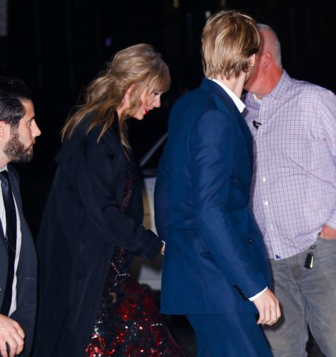 Here's Why Fans Think Taylor Swift & Joe Alwyn's Engagement Is Around the Corner