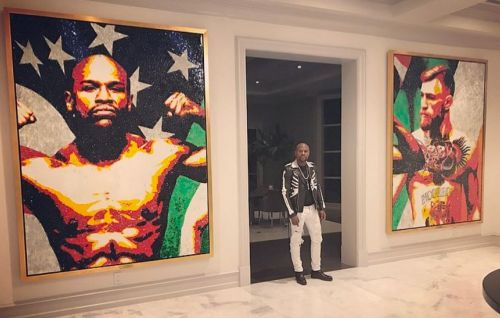 Floyd Mayweather Celebrates Victory With Epic Glass Portrait Of Conor McGregor