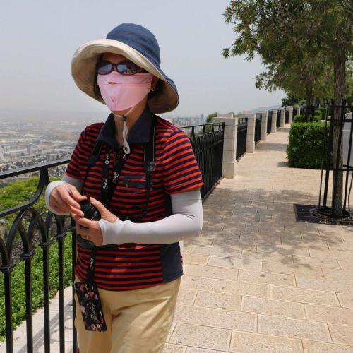 Why Do Chinese tourists Wear Face Masks