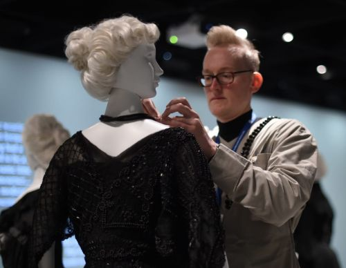 Tips for Making Your Clothes Last, Straight From Fashion Museum Conservators