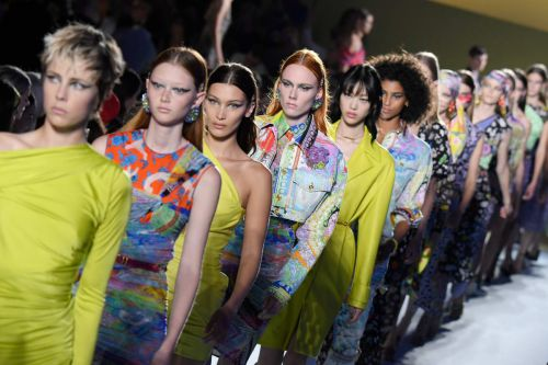 Versace to Join the Traveling Fashion Show Circuit with a Pre-Fall 2019 Runway in New York