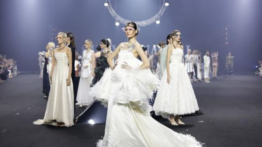 Out of this world: SIRIVANNAVARI's fashion show is a galactic beauty