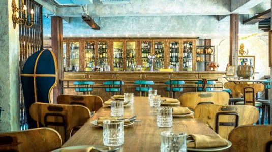 Music, art, fashion and food, this eatery in Delhi offers you all