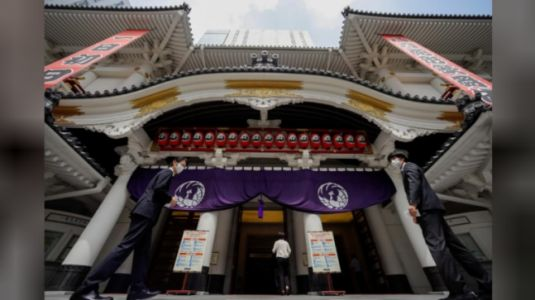 Japan's kabuki theatre resumes, socially distanced, after coronavirus hiatus