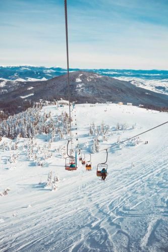 Virgin Snow - 8 Tips For First Time Family Skiers