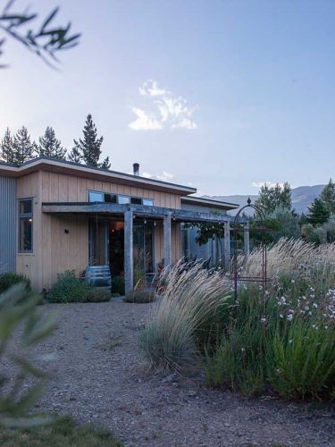 The risk and reward of building a dry garden in the extreme climate of Central Otago