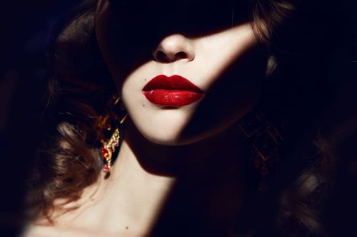 10 iconic red lipsticks that will suit every Indian skin tone