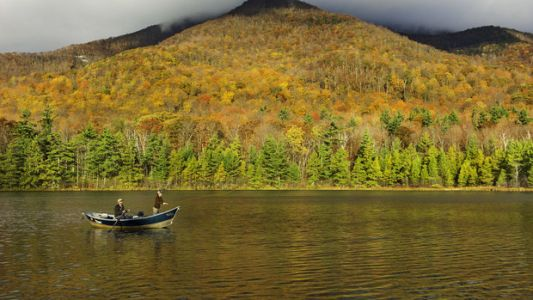 Cheap Weekend Getaways Where You Can See Peak Foliage In Action