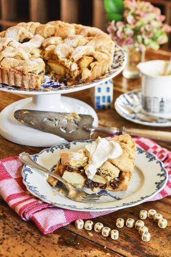 Recipe: Oma's Dutch Apple Tart