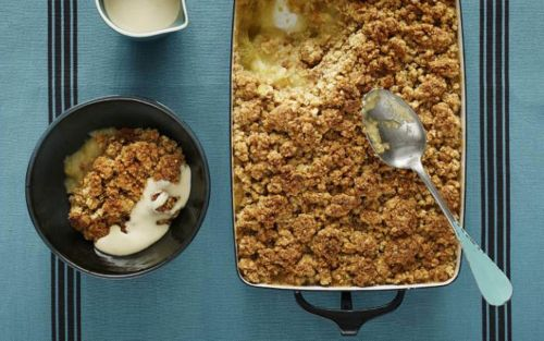 Traditional apple crumble recipe - perfect for all the family