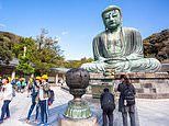 The Japanese city of Kamakura tells tourists not to eat and walk in crowded areas