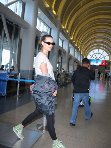 The Hair Accessory Behati Prinsloo Took From the Runway to the Airport