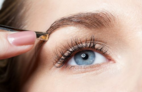 Hollywood's Go-To Eyebrow Artist On How To Fix Over-Plucked Brows