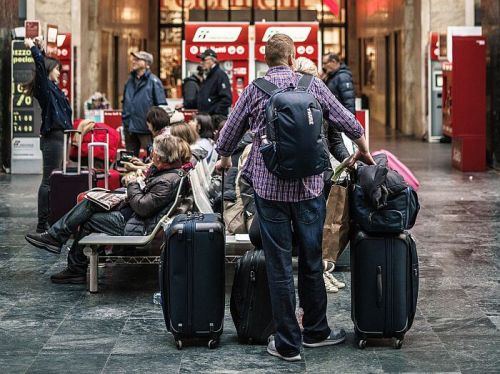 Finding Luggage Storage Solutions for Travelers