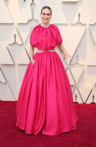 Sarah Paulson Is Pretty in Hot Pink at the 2019 Oscars