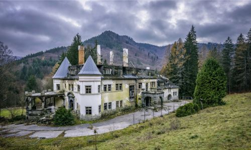 The world's 10 most haunted places