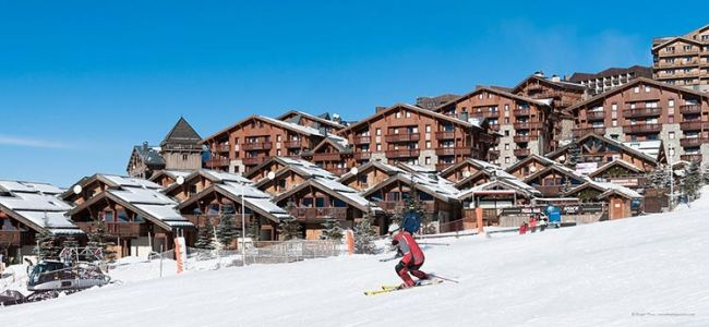 Winter Sports - Skiing Luxury Chalet Trends In France