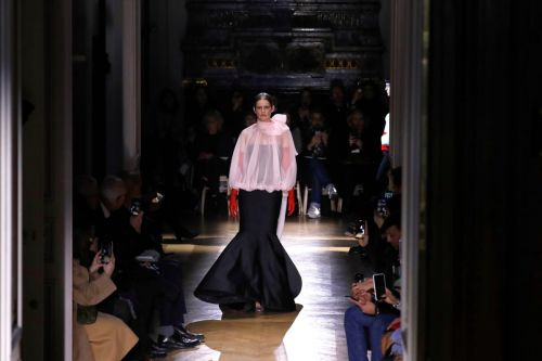At Valentino Haute Couture, Big Shapes Meet Big Bows for Spring 2020