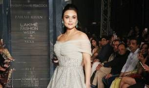 Lakme Fashion Week 2017: Preity Zinta looked a like dreamy princess on the ramp