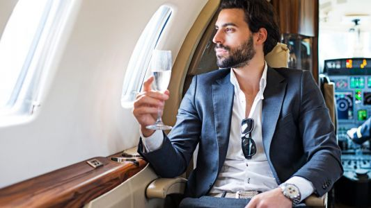 Travel essentials: Pre- and post-flight grooming routines for men