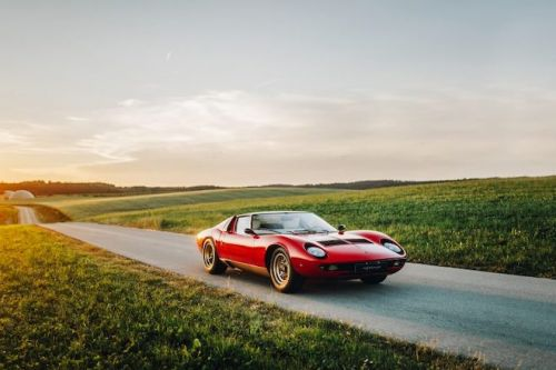 How the Lamborghini Miura P400 challenged Ferrari in 1966