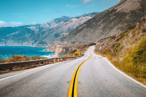 Coastal scenic drives you can take in North America