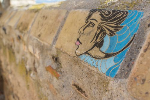 Finding Beauty in Average Castelló D'empuries