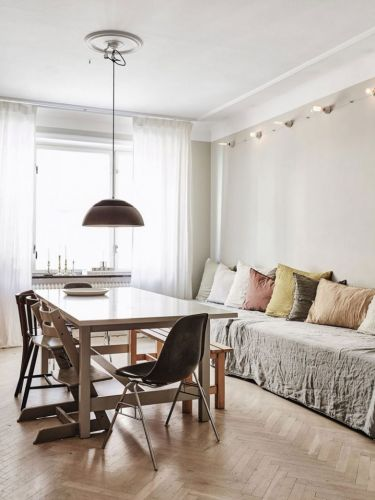 A MODERN SCANDINAVIAN APARTMENT WITH A VINTAGE TOUCH