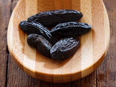 Talking Notes: Adding an Oriental Touch with Tonka Bean