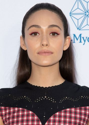 Emmy Rossum's Colored Eyeliner is the Perfect Way to Update Your Cat Eye