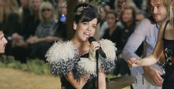 Great Outfits in Fashion History: Lily Allen Takes a Romp in the Chanel Hay