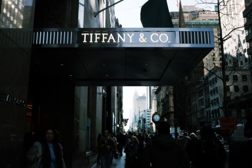 Tiffany & Co. Foundation Pledges $1 Million to Covid-19 Relief