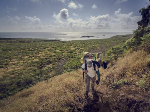 """Photography teaches youngsters to """"see"""" the beauty of their Galapagos home"""