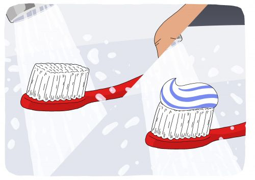 Should you wet your toothbrush before or after squeezing out the toothpaste?