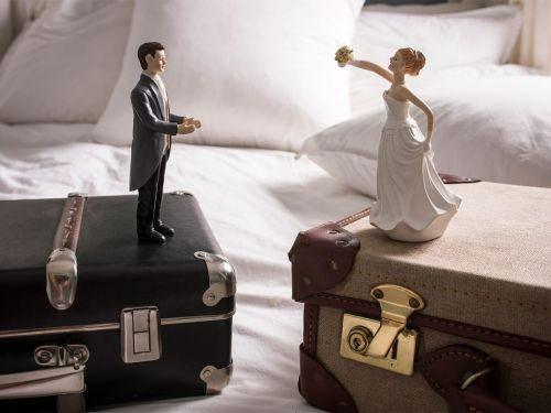 Canada's Divorce Laws Could Soon Be Updated To Put Children First -Here's What You Need To Know