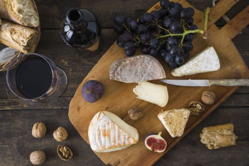 Gin flavoured cheese is here to give your Christmas cheeseboard a boozy kick