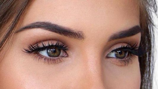 A Low-Key Eye Makeup Look That's Easy Enough to Try Yourself