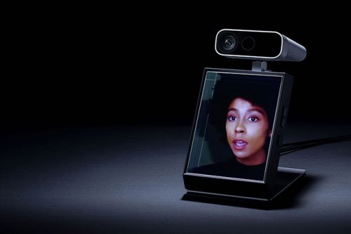 The Looking Glass Portrait Expands With Your Creativity
