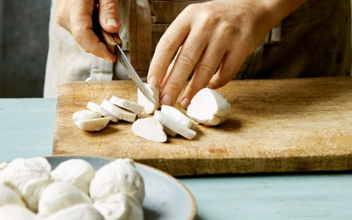How to make vegan cheese: cashew mozzarella