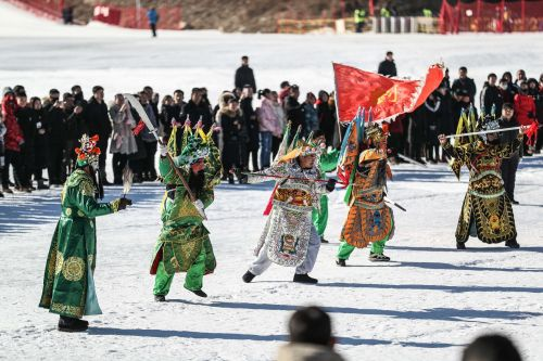 On Feb. 13th, 2019, Benxi Ice and Snow Carnival was held in Huaxi Mu International Hot Spring Resort